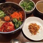 韓国家庭料理 ソウルオモニ - 本日のランチです