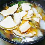 津軽じょっぱり漁屋酒場 - せんべい汁鍋