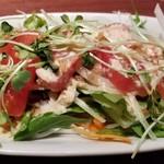 焼肉 いのうえ - 料理写真:オニトマサラダ トマトは超熟(笑)だったが、これで298円とはお得だ!