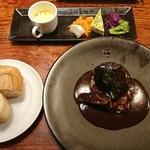 103115828 - 牛ホホ肉の赤ワイン煮込み(限定5食) 850円(税込)                       ※前菜、スープ、ライスorバケット付