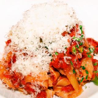 イタリア産100%オーガニックセモリナ粉を使用した絶品パスタ