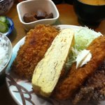 龍馬 - 日替わり定食 600円 鰯天、卵焼き、白身魚フライ、鶏カツ ご飯と漬物自由