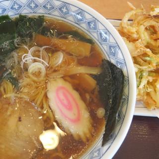道の駅 オライはすぬま - 料理写真:中華そば+かき揚げ