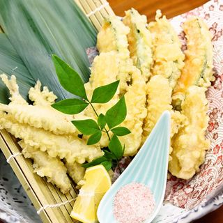 和食の板前が腕をふるう、美彩和食の数々!