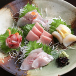 魚と酒菜 とき和 - 刺身5点盛り