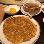 Bairan - 焼きそばと、フカヒレ姿煮入りスープと、マンゴープリン
