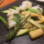 アジアンビストロDai - イカとアスパラの塩炒め