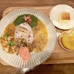 カレー食堂 ジャンゴ - 4種類のカレーセット1290円+税