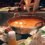 串かつラブリー - おでん種の入った鍋