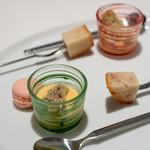 レストラン コバヤシ - 2019.3 小菓子(ココナッツのマカロン、ゴボウのわらび餅、林檎とシナモンのパウンドケーキ)