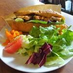103143928 - ランチ:日替わりランチ(イイダコのトマト煮込とサーモンのサンドイッチ)、サラダ