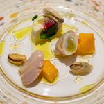 レストラン コバヤシ - 2019.3 鹿島産ハマグリとムール貝の冷製 フレッシュチーズとビーツのムース・パパイヤ