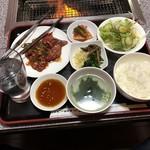 元祖広畑 南大門 - 料理写真:焼肉ランチ(ハラミ)