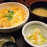 鳥元 - 伊達鶏と奥久慈卵の親子丼(815円税別)
