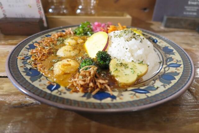 Mikazuki Curry SAMURAI. 下北沢店の料理の写真