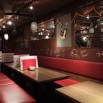Italian Barcafe KIMURAYA - 赤を基調としたインテリア
