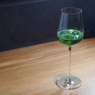 料理に合う自然派ワインと自家製ジュース