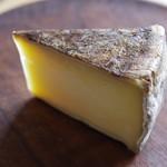 チーズのこえ - 半田ファームの【トム・ハンダ】
