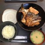 志摩の海鮮丼屋 - こってりたっぷり あら炊き定食(850円)