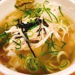 麺屋 一徳 - 〆飯にスープを投入!美味しいんです(๑˃͈꒵˂͈๑)