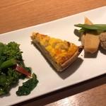 バリーズ - デリ3種類 筍と海老と鶏ミンチのキッシュ、菜の花のお浸し、筍と鶏団子の甘煮