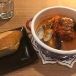 バリーズ - 海鮮ブイヤベース鍋ランチ 1,880円