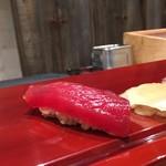 北新地 鮨 なか川 - 鮪赤身 握り 赤酢