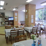 しらさぎ荘 - 40人は収容できるテーブル席と椅子席