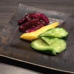 地鶏・和食 個室居酒屋 鶏彩 - お新香盛り合わせ
