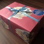 103231790 - 東郷青児の包装紙♡