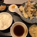 彩 - 海老イカ天ぷら定食660円