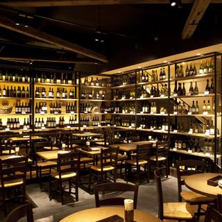 こだわりのワインは世界各国から♪50種以上の赤・白・泡