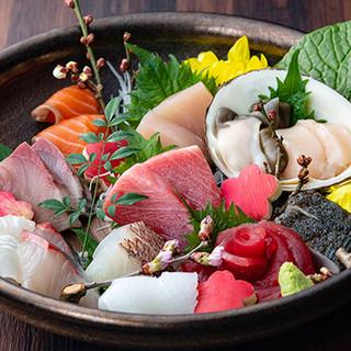 お魚本来の旨みを満喫。鮮度抜群のお刺身や一品料理をどうぞ!