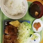 めし処銭屋 - 鶏南蛮定食540円。使用している鶏肉は、値段に合わない程上質だと思います。