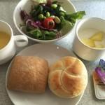 103269282 - 朝ご飯(パイン&ヨーグルト、ハードパン、コーンスープ、サラダ)