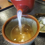 赤土 - 蕎麦湯は、うっすら白く・・