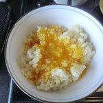 輝卵鈴 - 黄卵部分だけ二個使った卵丼