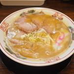 金の玉子 - とんこつラーメン750円