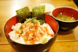 漁十八番 - 十八番丼 (¥850)