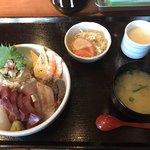 海鮮居酒屋一八 - 料理写真:海鮮丼=980円 税込