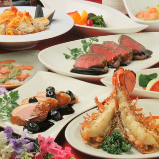 旬魚や鴨、牛ステーキなどを使った多彩なコース料理