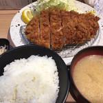 103290533 - 林SPF極みロースかつ定食(230g)