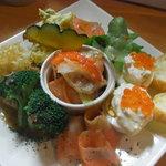 サーモンバル パーシャ - サーモンだらけ前菜盛り
