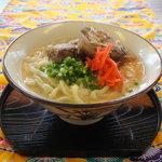 まるやす - 料理写真:じっくり煮込んだソーキ、つるつるもちもち自家製麺の沖縄そば