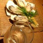 10330806 - 牡蠣と泡