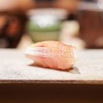 鮨 由う - 春子鯛の昆布締め