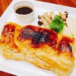 カフェ&シーフードバルべセル - 和牛のパイ包み焼き伊予柑ソース