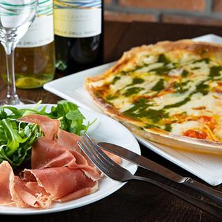 イタリア郷土料理には、選りすぐりのワインがぴったり◎