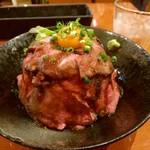 フィオリ - ローストビーフ丼特製盛り2,010円