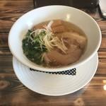 麺屋 翔 - 料理写真:鶏塩中華